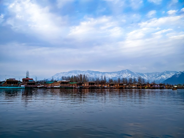6 reasons to explore Jammu and Kashmir valley
