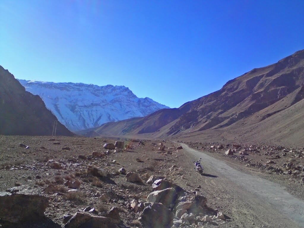 desert-mountain-valley-of-lahaul-and-spiti